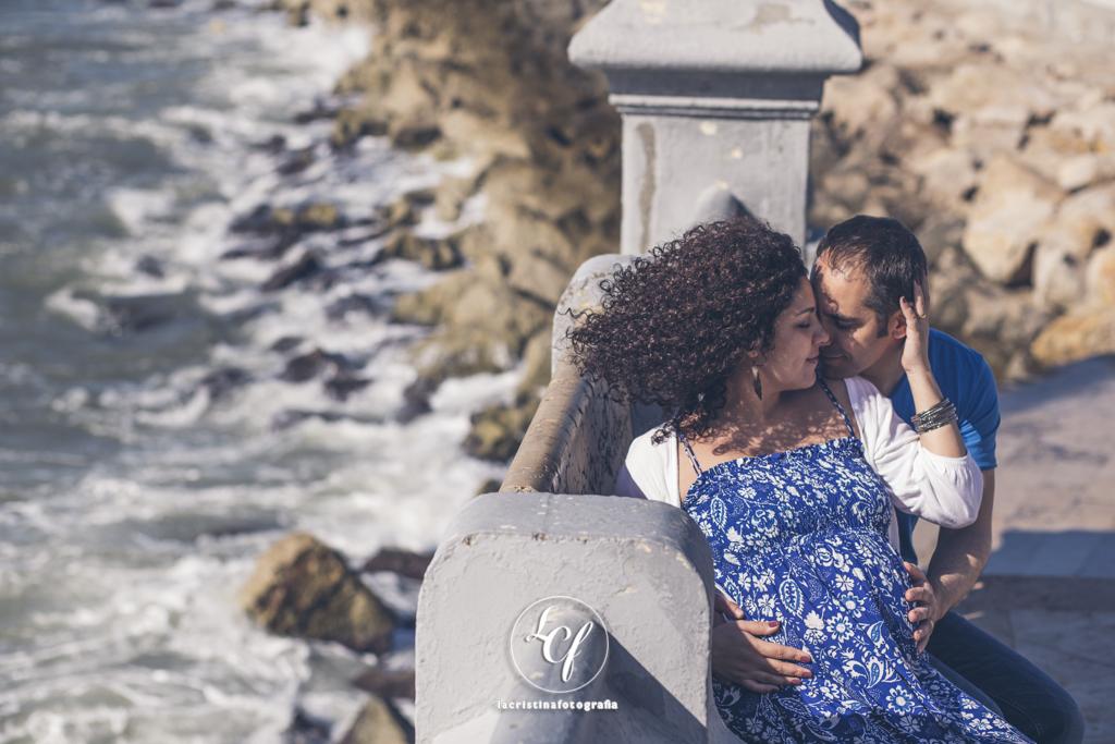 Fotografía embarazo :: Reportaje embarazada :: Fotografía Sitges :: Sesión de pareja