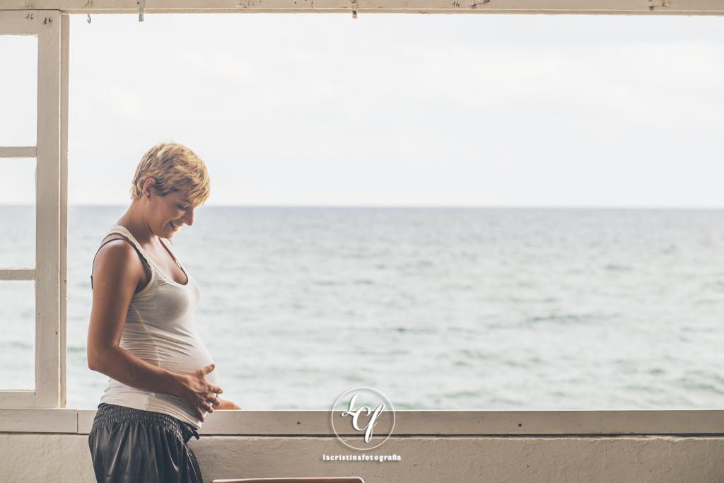 Fotografía embarazada :: Fotografía embarazo Barcelona :: Reportaje embarazada :: Reportaje Badalona :: Reportaje de Pareja :: Reportaje en la Playa :: Sesión de embarazo :: Sesión de Pareja :: Sesión en Barcelona :: Sesión en Badalona