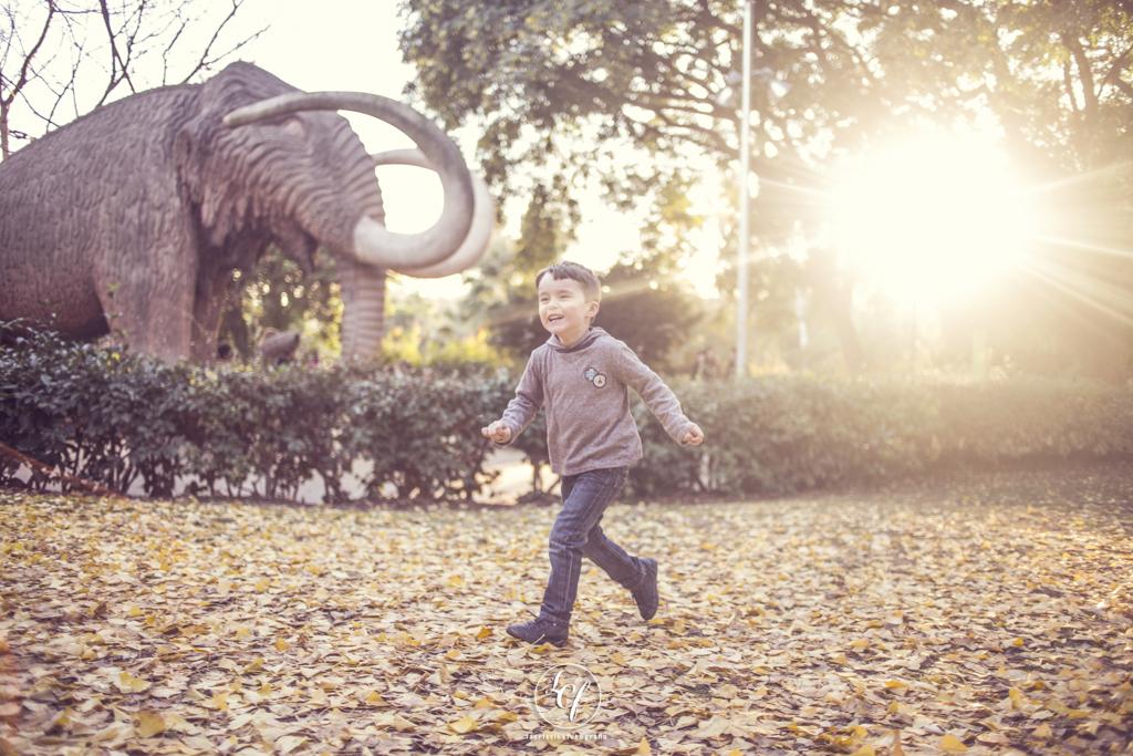 Fotografia infantil familiar barcelona :: fotografo de familias barcelona :: fotografo infantil :: parque de la ciutadella :: reportaje en el Born :: Reportaje Barcelona