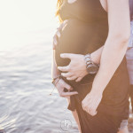 fotógrafo embarazo :: fotografía embarazada :: reportaje embarazo playa :: fotográfo embarazo barcelona