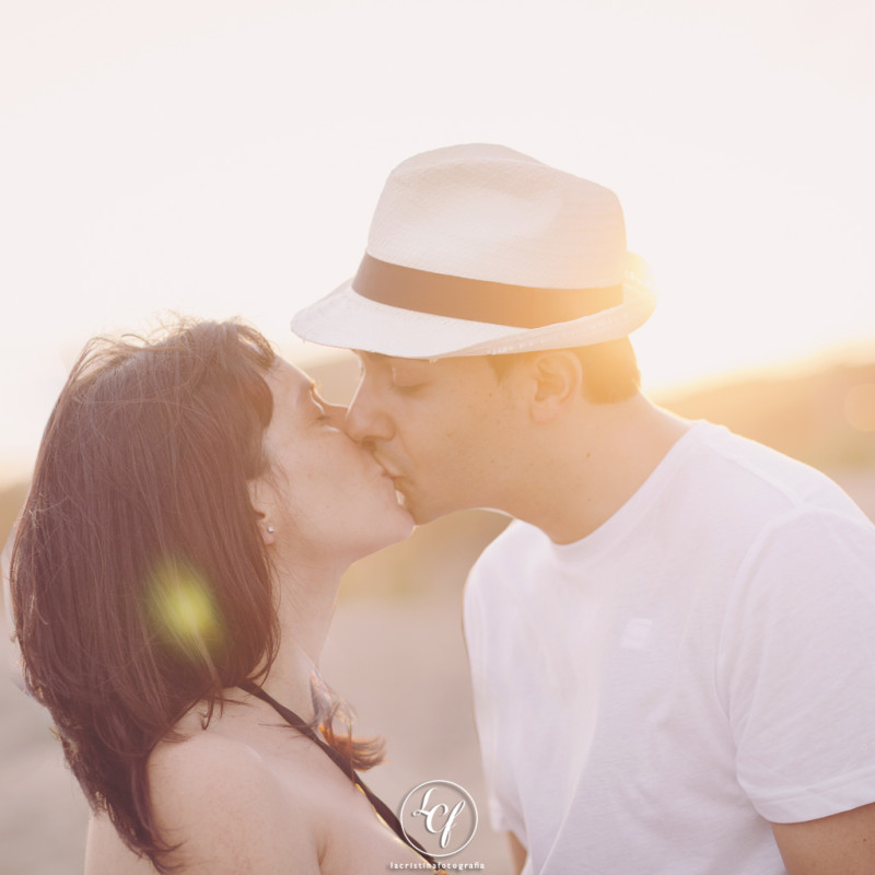 fotógrafo embarazo :: fotógrafa embarazo :: fotografía embarazada :: fotografía embarazada en la playa :: fotografía embarazada barcelona