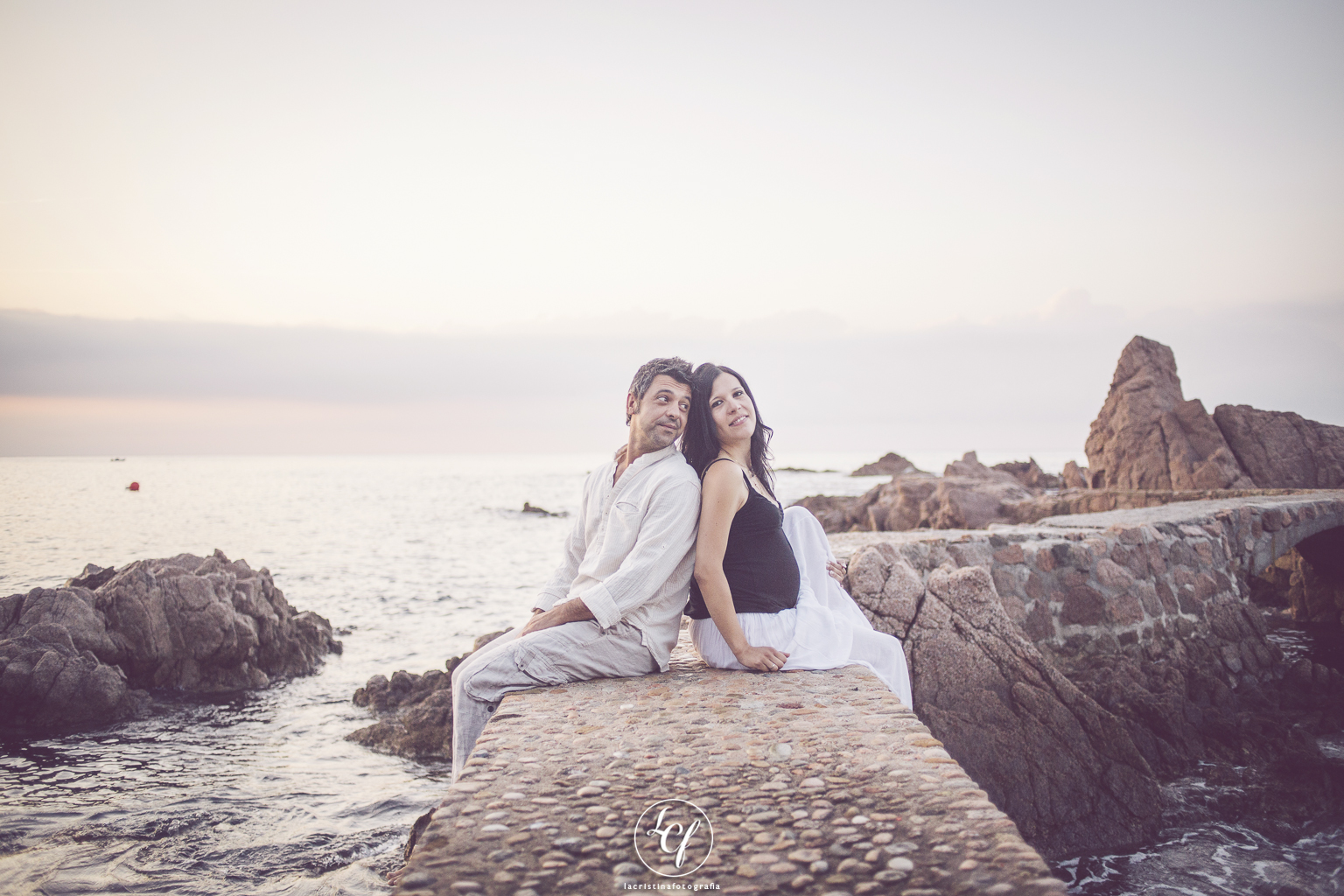 fotógrafo embarazada :: fotografía embarazada :: fotógrafo embarazada barcelona :: embarazada playa :: embarazada Tossa de Mar :: embarazada Rosamar