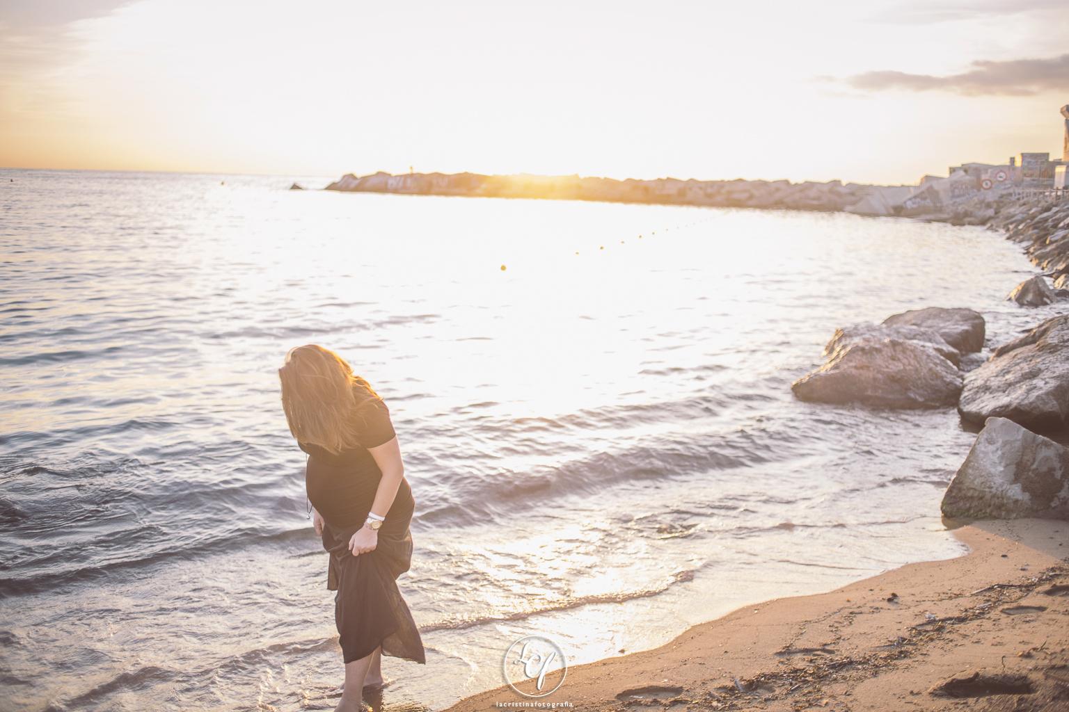 Fotografo embarazo barcelona :: fotografía embarazada barcelona :: fotos de embarazo :: fotos de embarazo en la playa :: fotografía embarazo hotel W barcelona :: fotos embarazo barceloneta
