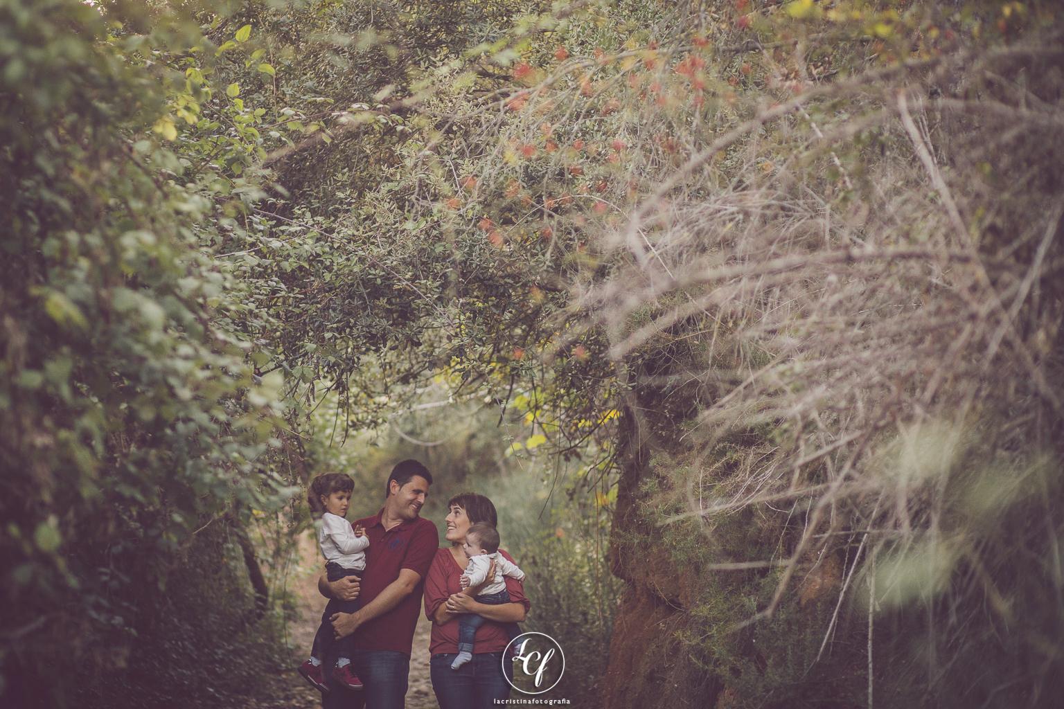 fotógrafo de familia :: fotografía familiar collbató :: montserrat ::: fotografía infantil :: fotógrafo infantil
