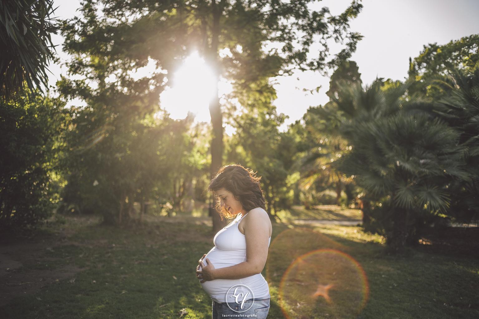 fotógrafo embarazo Barcelona :: Fotografía embarazada Barcelona :: fotografía natural :: fotografía parque de Ciutadella