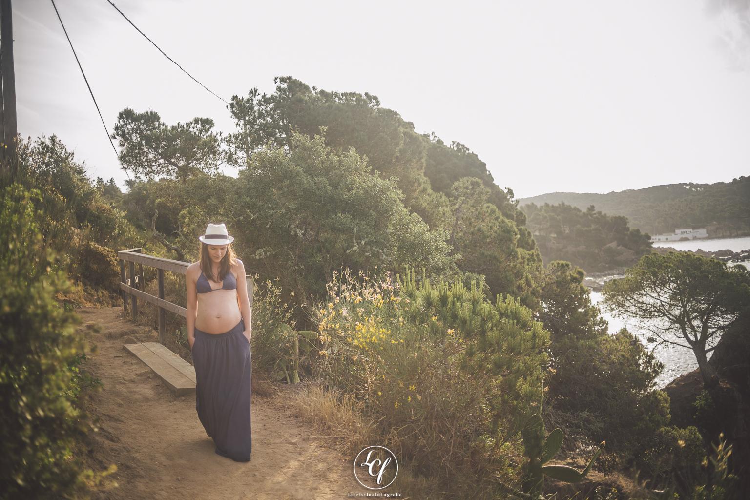 fotografía embarazada costa brava :: fotógrafo embarazado girona :: fotografía de embarazada en la playa :: fotografía natural barcelona
