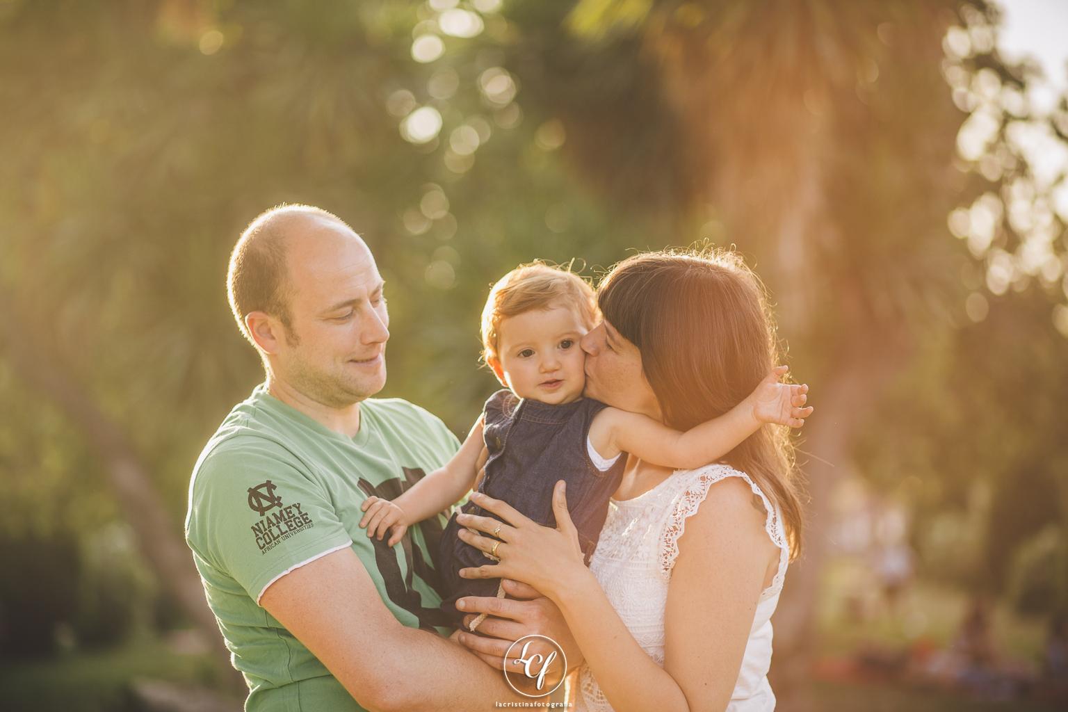 fotografia familiar barcelona :: fotógrafo de familia :: parc de la ciutadella :: fotografía natural