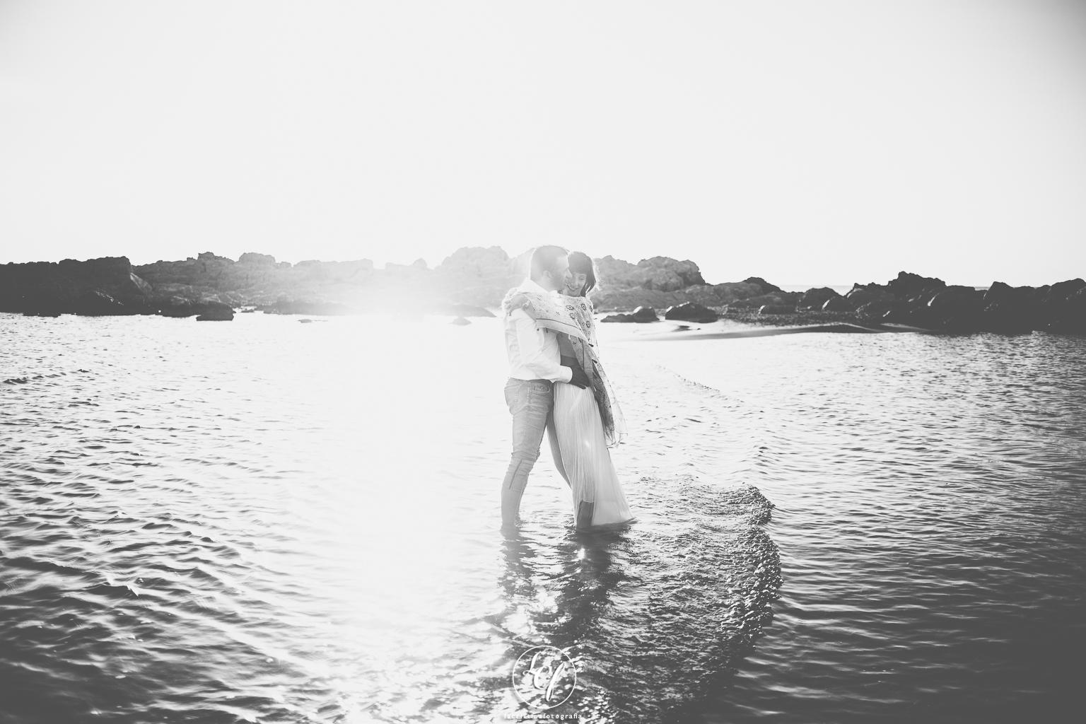 fotografia preboda costa brava :: empúries :: amanecer :: fotografía de pareja :: fotógrafo de pareja :: reportaje de preboda :: reportaje en la playa