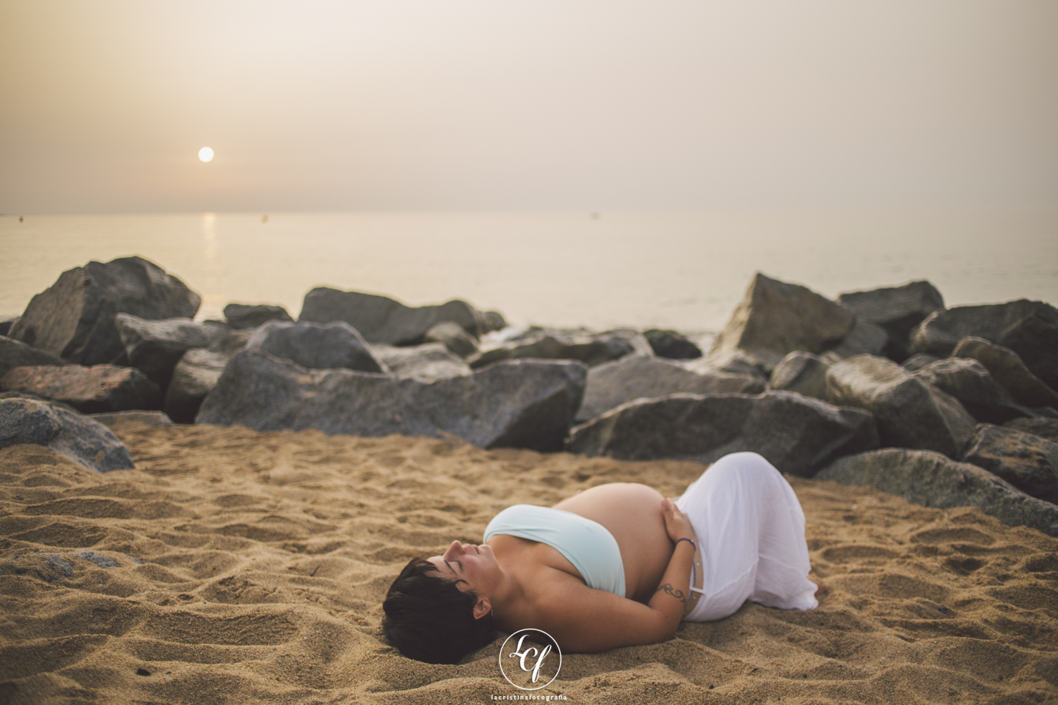 fotógrafo embarazo barcelona :: fotógrafo embarazo badalona :: fotógrafo embarazada pont del petrloli :: fotografía natural