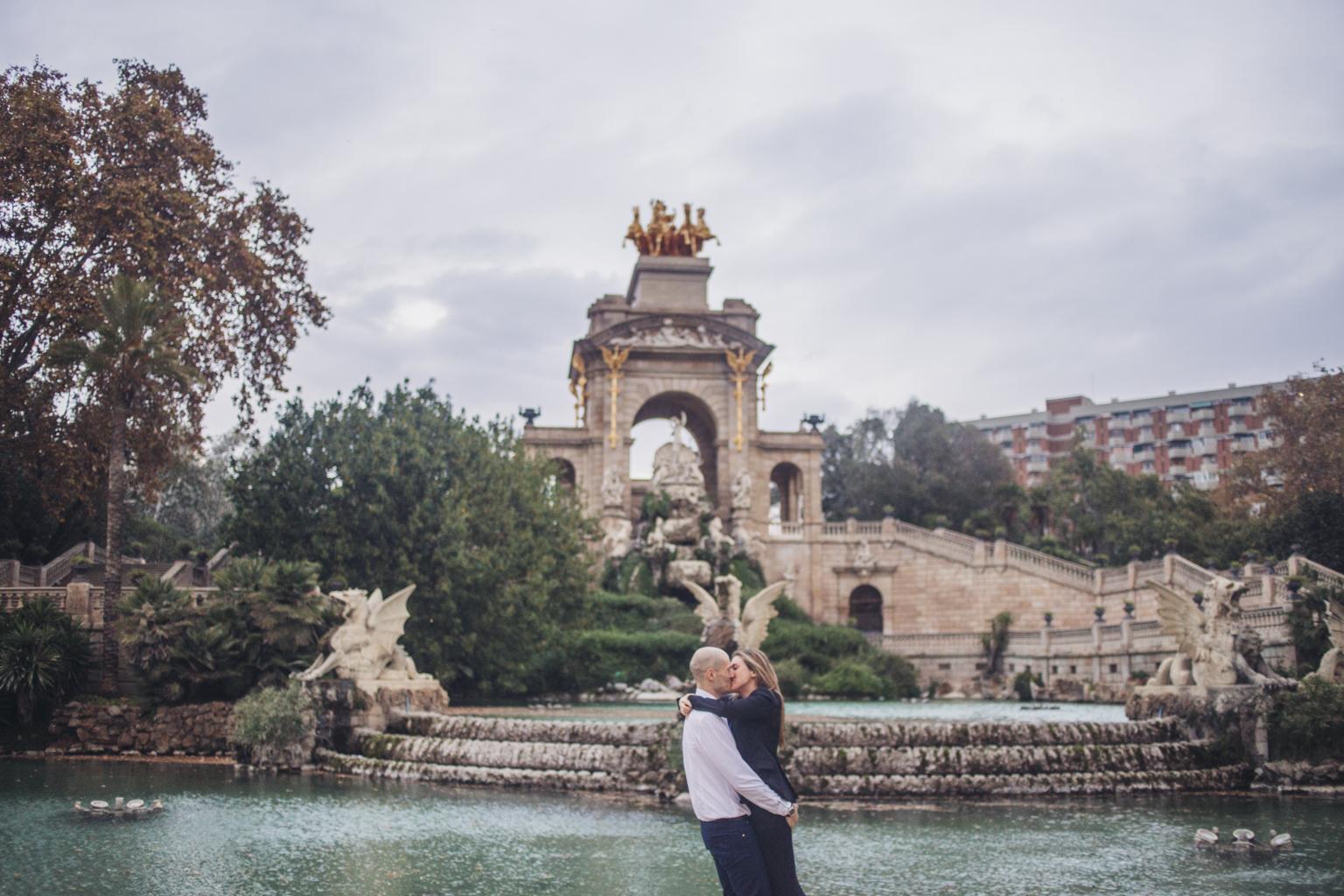 Fotógrafo de pareja barcelona :: fotógrafo romántico :: fotógrafo natural :: preboda :: fotógrafo de bodas Barcelona