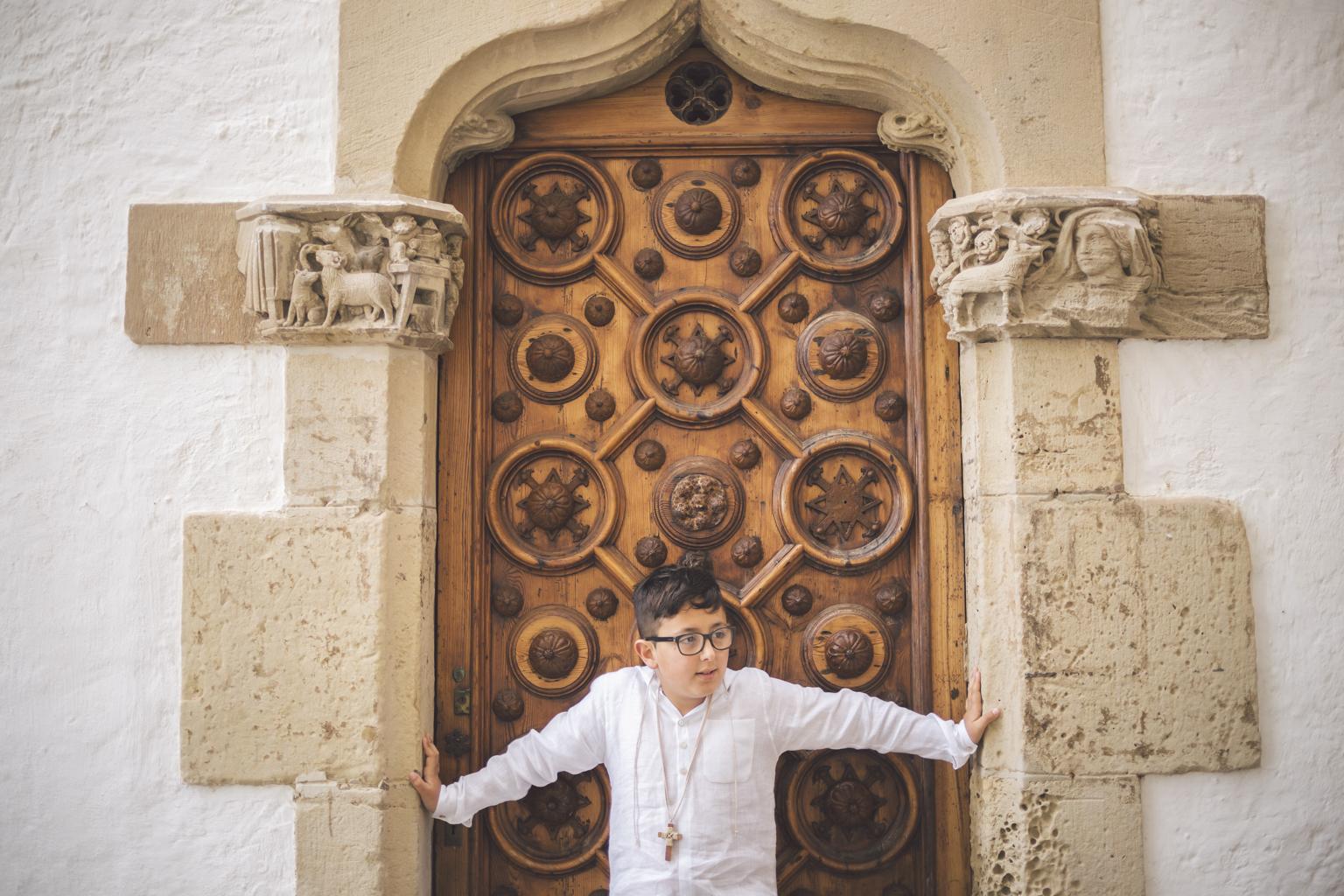 Fotógrafo primera comunión barcelona :: primera comunión diferente :: fotografía de comunión natural en barcelona