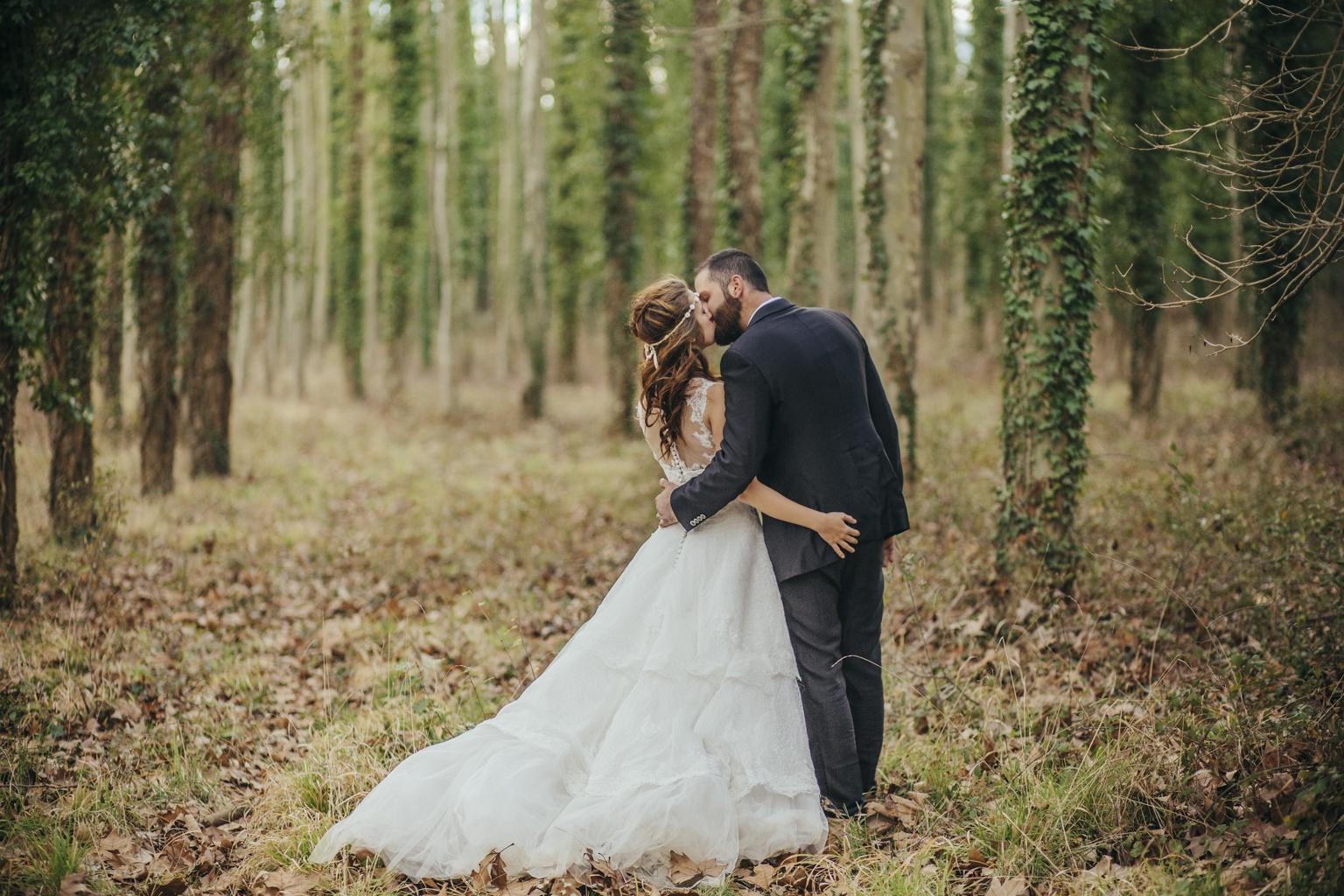 Fotógrafo bodas barcelona postboda :: postboda en el bosque :: boda en invierno