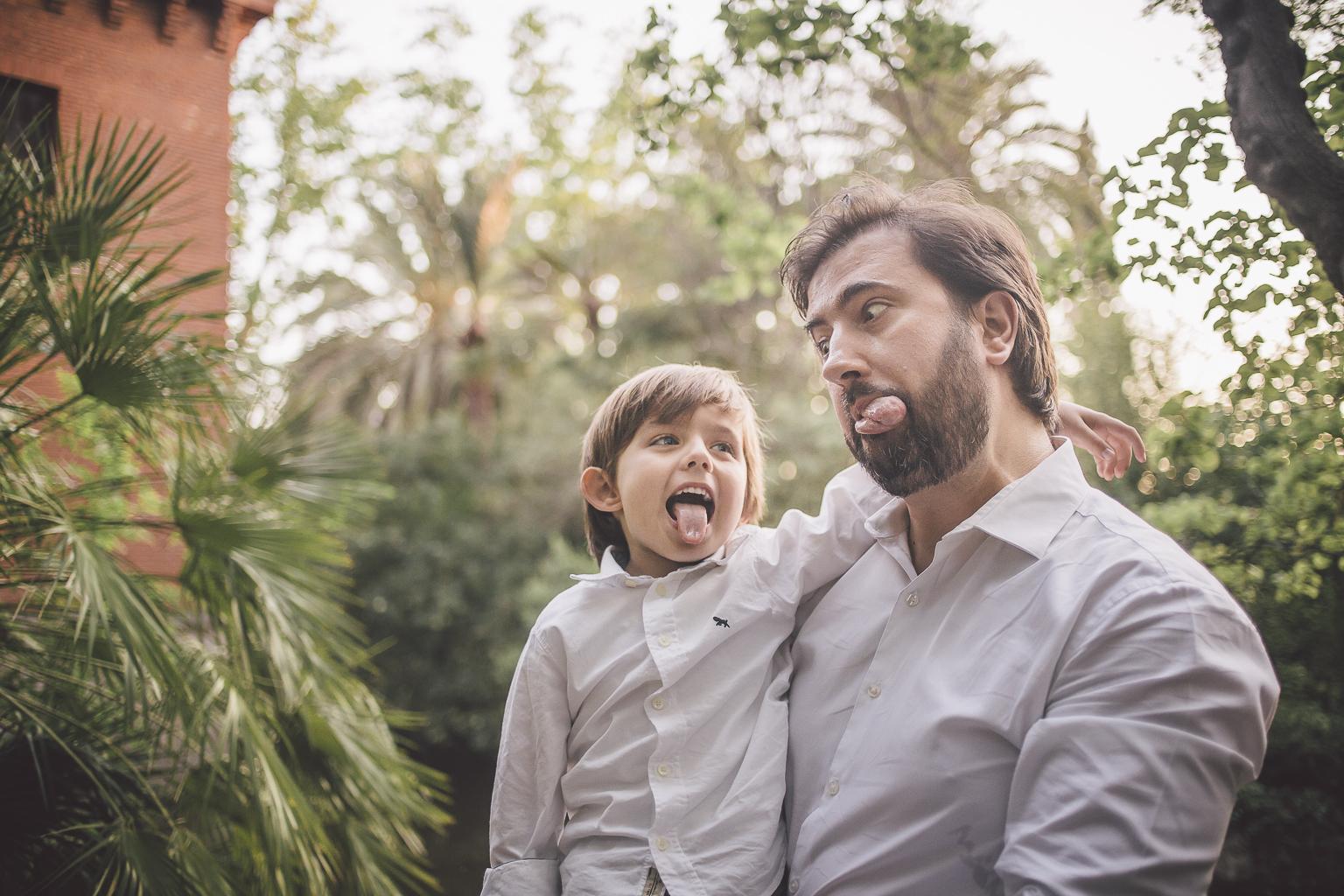 Fotógrafo de embarazo :: Badalona, parque Can Solei - Ca l'Arnús :: fotógrafo embarazo badalona :: fotógrafo familiar :: fotografía natural :: Puesta de sol :: Atardecer :: fotografía divertida familiar :: Can Solei :: Ca l'Arnús