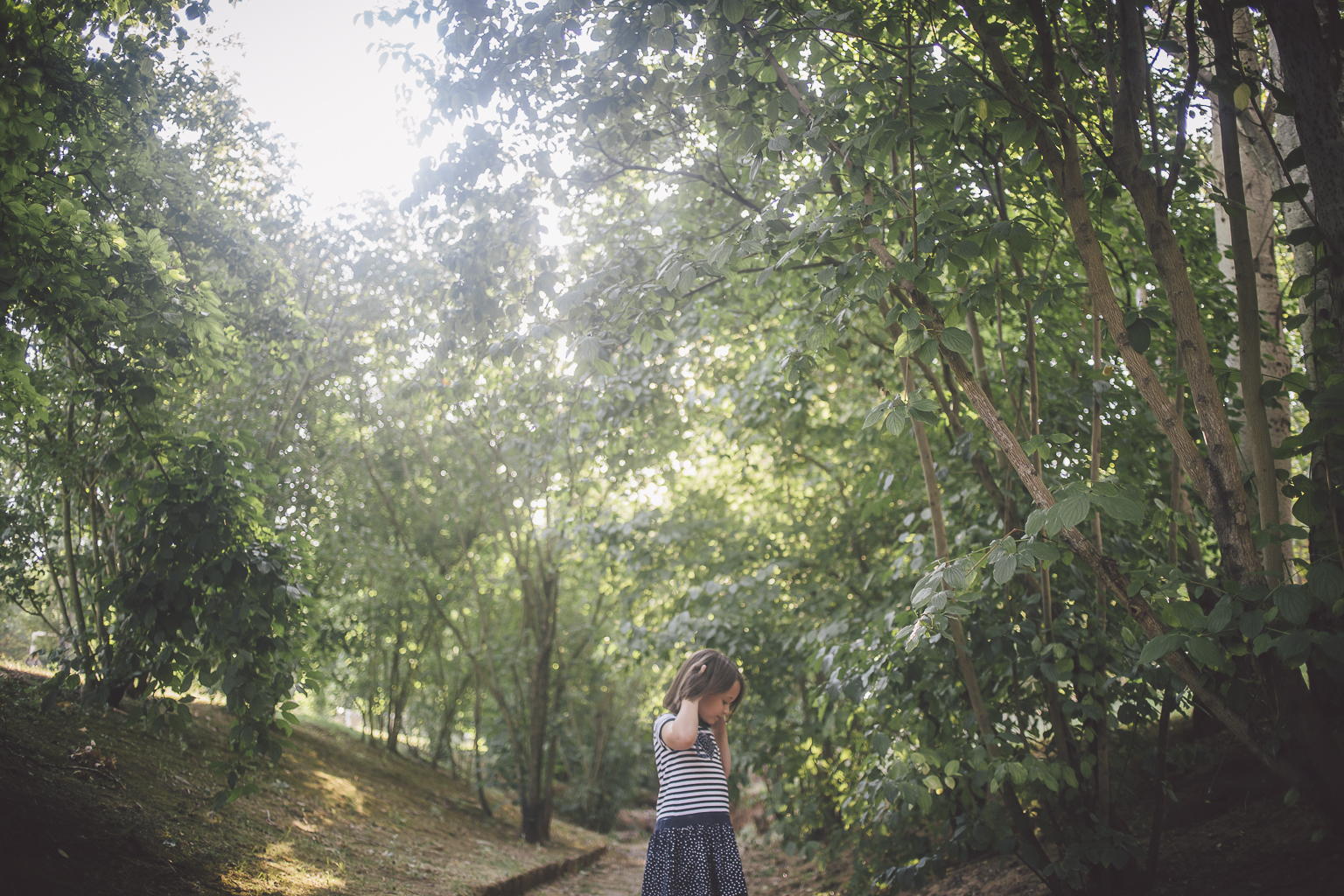 Fotógrafo familiar Barcelona :: Familia numerosa en Sant Cugat - Parc Central :: Fotógrafo familia Sant Cugat :: Fotografía familiar :: Parc Central :: Fotografía natural familiar