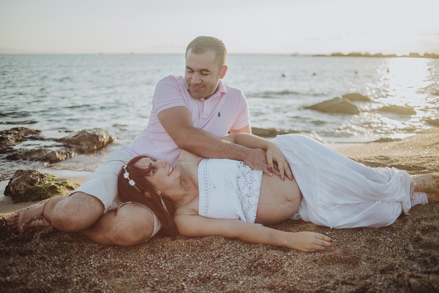 fotógrafo embarazo barcelona :: fotografía embarazada barcelona :: fotógrafo amanecer embarazo :: barceloneta