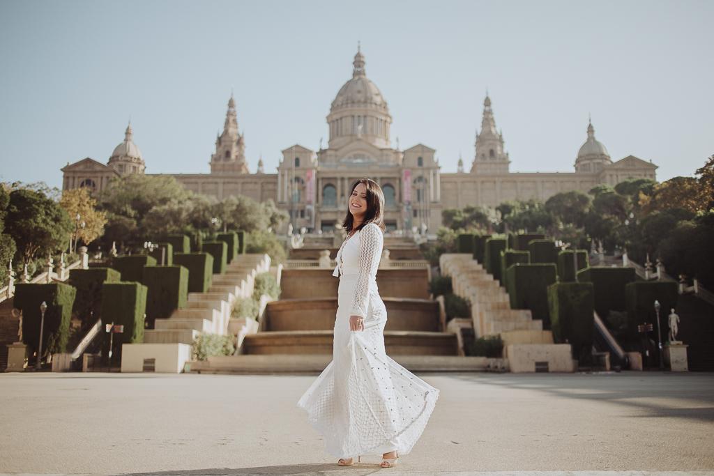 Fotógrafo de parejas Barcelona :: Montjuic, Sagrada Familia y Moll de la fusta :: Preboda en Barcelona :: Postboda en Barcelona :: Save the date :: Trash the dress :: Love session :: Best Barcelona Photographer
