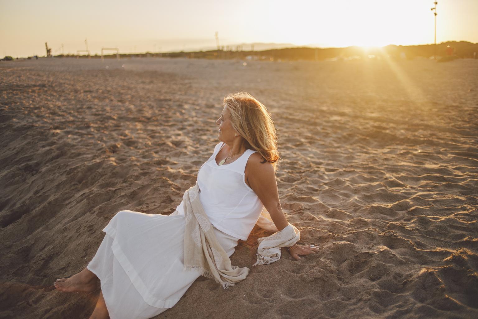 fotógrafo book barcelona :: fotografo de familia Sant Cugat :: fotografía natural Barcelona :: Delta del Llobregat :: Puesta de sol en la playa :: Atardecer