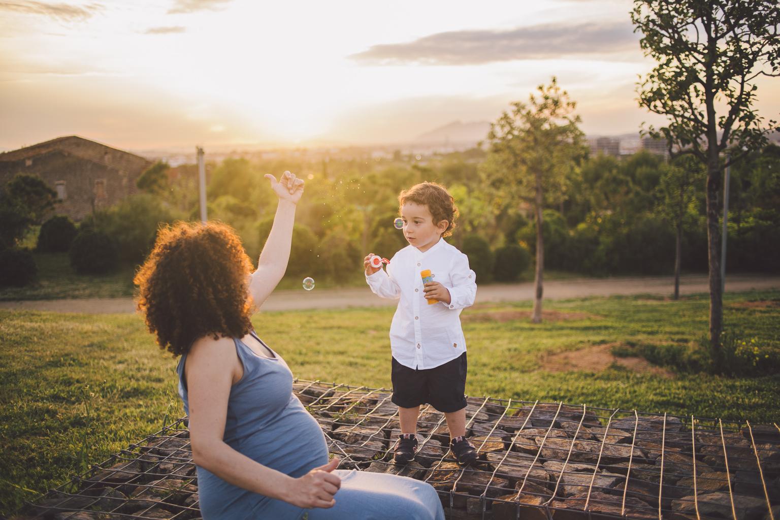 fotógrafo embarazo sant cugat :: turó de can mates :: fotografía de embarazada :: fotógrafo embarazada sant cugat :: fotógrafo familiar