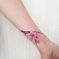 9889541798f8f12e7e7bf052be8a8019--watercolour-tattoos-pretty-tattoos