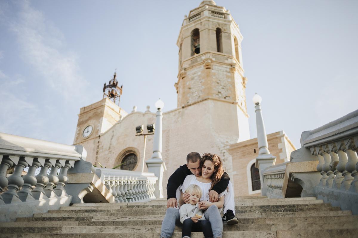 fotógrafo embarazada sitges :: fotógrafo familia sitges :: fotógrafo familiar barcelona