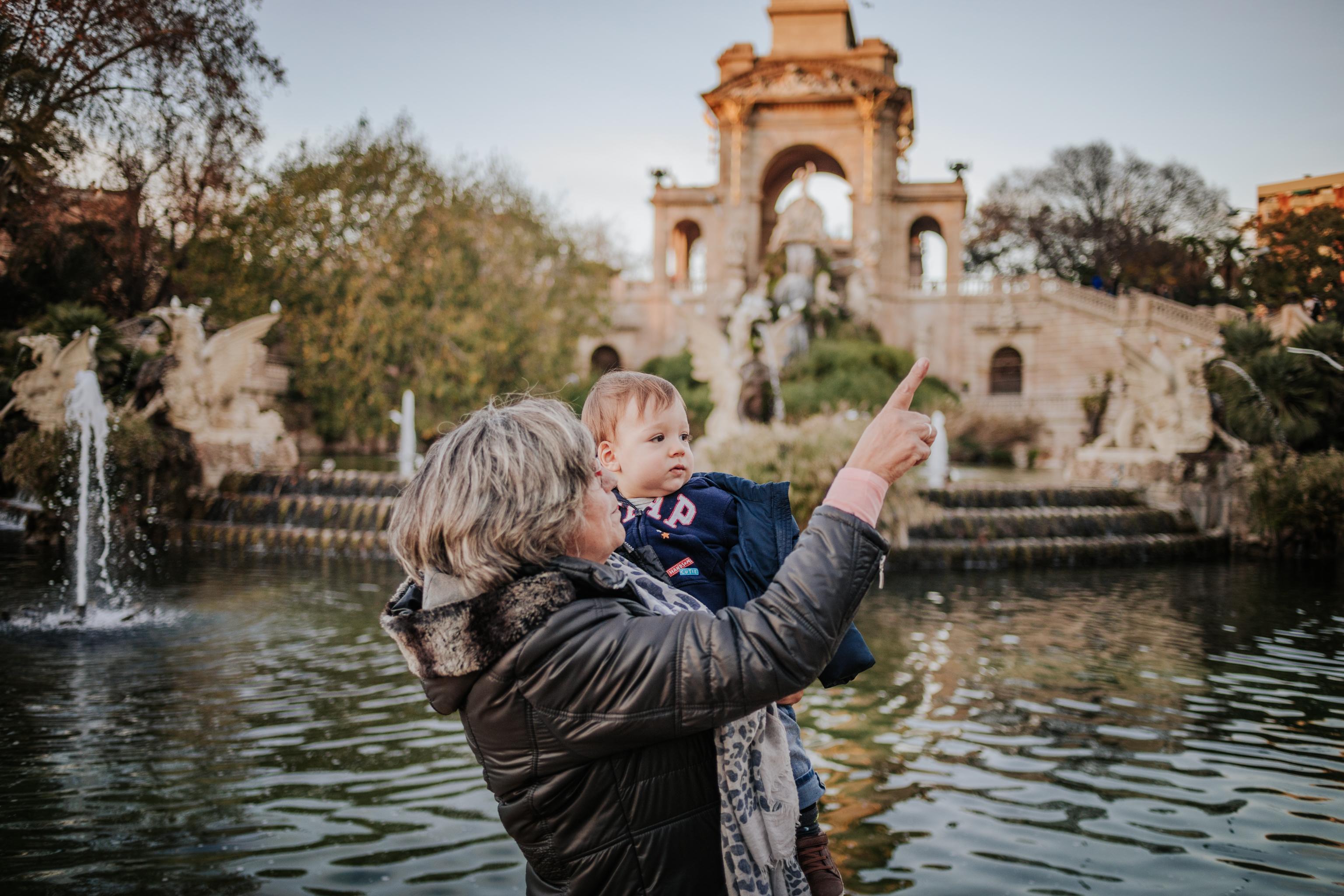 Fotógrafo de familia Barcelona :: Fotografía en el Parque de la Ciutadella :: Tarde en el Parque de la Ciutadella