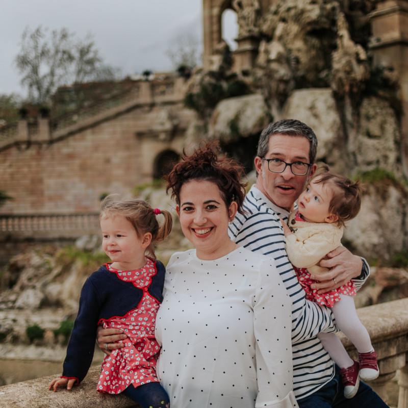 Fotógrafo familiar Barcelona :: fotógrafo de familia Sant cugat :: Parque de la ciudadela :: Parc de la Ciutadella :: Fotografía de familia natural