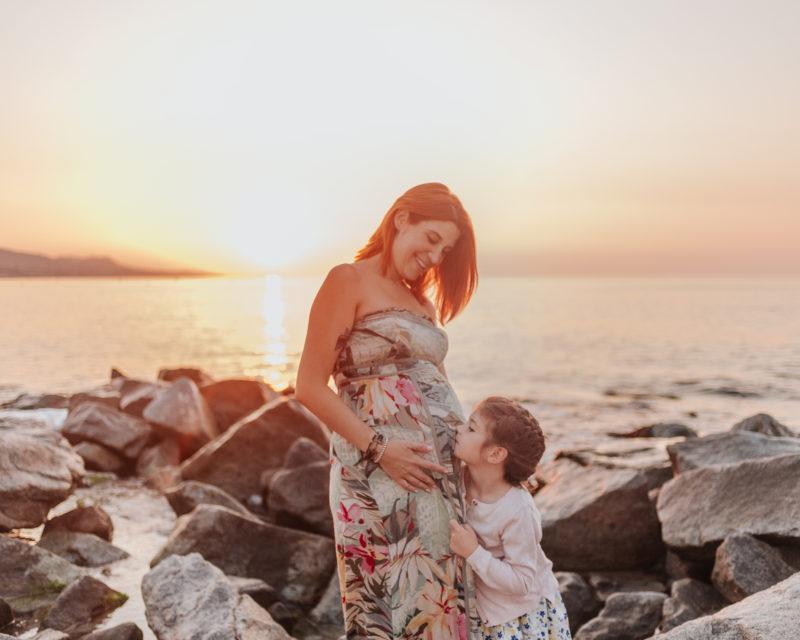 Fotógrafo embarazo Badalona :: Embarazada :: Fotógrafo familiar :: fotógrafo de familia Badalona :: Fotografía amanecer :: Reportaje embarazada pont del petroli