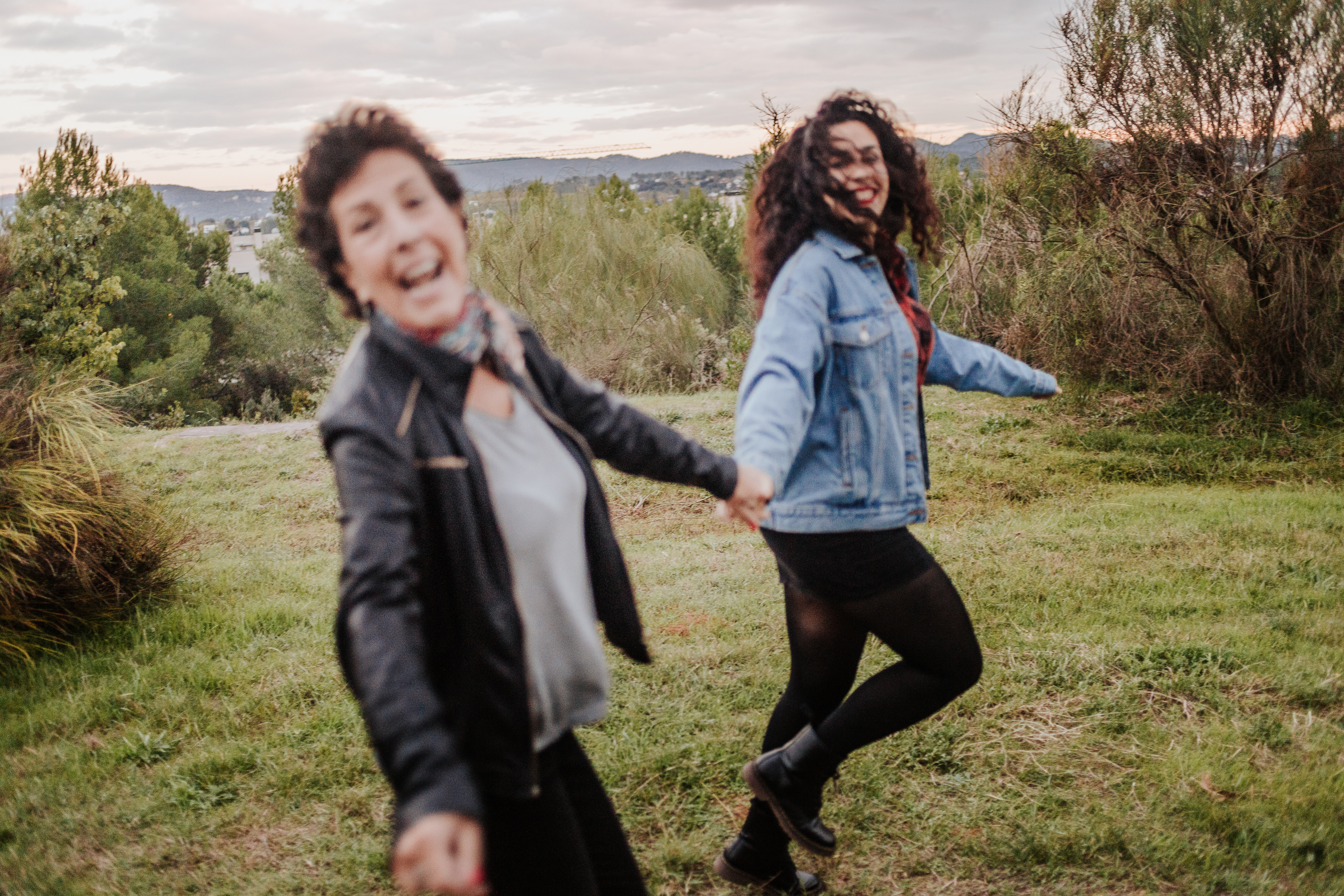 Fotógrafo familiar Sant Cugat :: Fotógrafo de familia :: Mercantic :: Fotografía madre y hija :: Fotografía natural :: Fotógrafo Sant Cugat