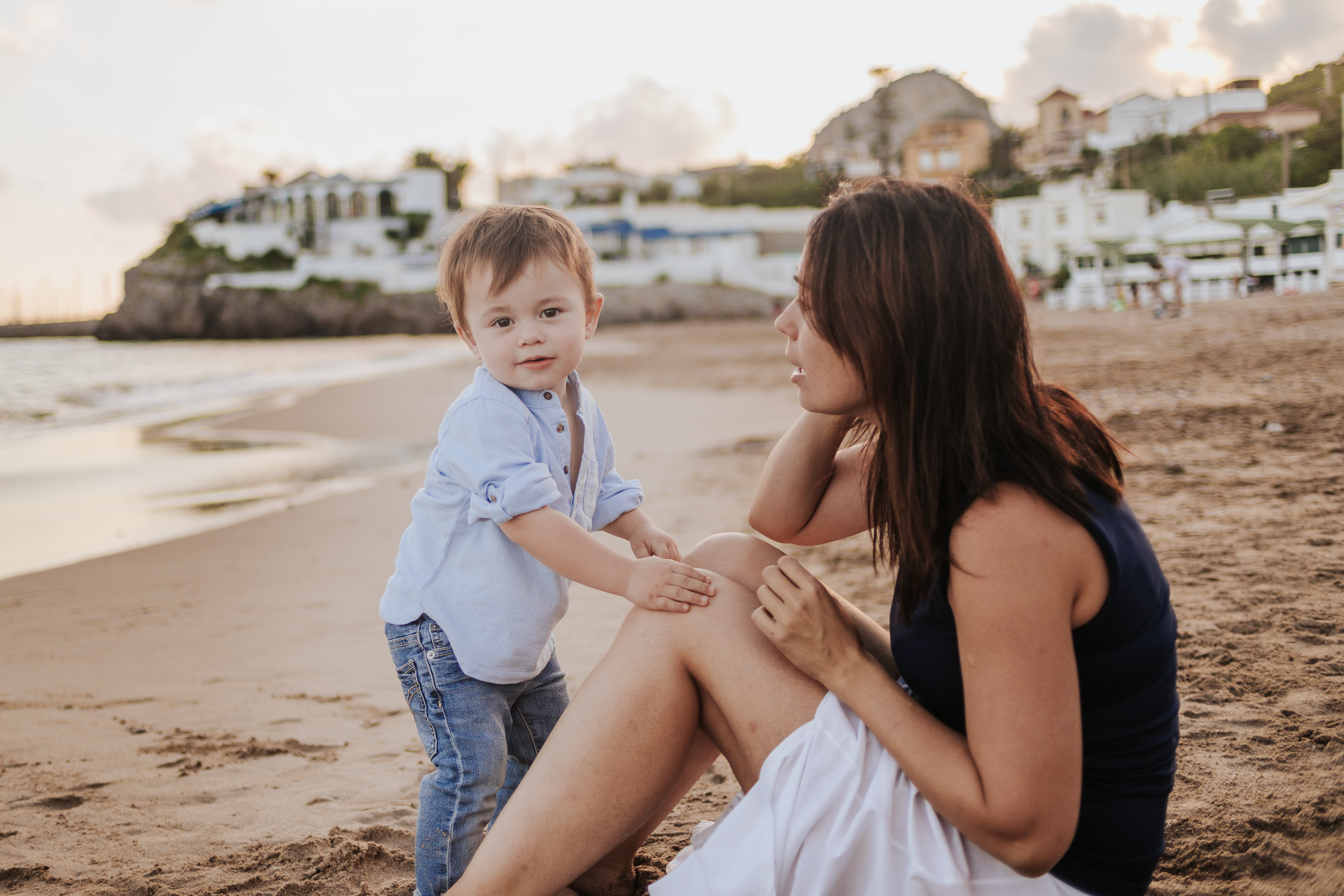 Fotógrafo de familia Sitges :: Les casetes del Garraf :: Fotografía infantil :: Fotografía de familia :: Atardecer :: Playa :: Reportaje de playa familiar