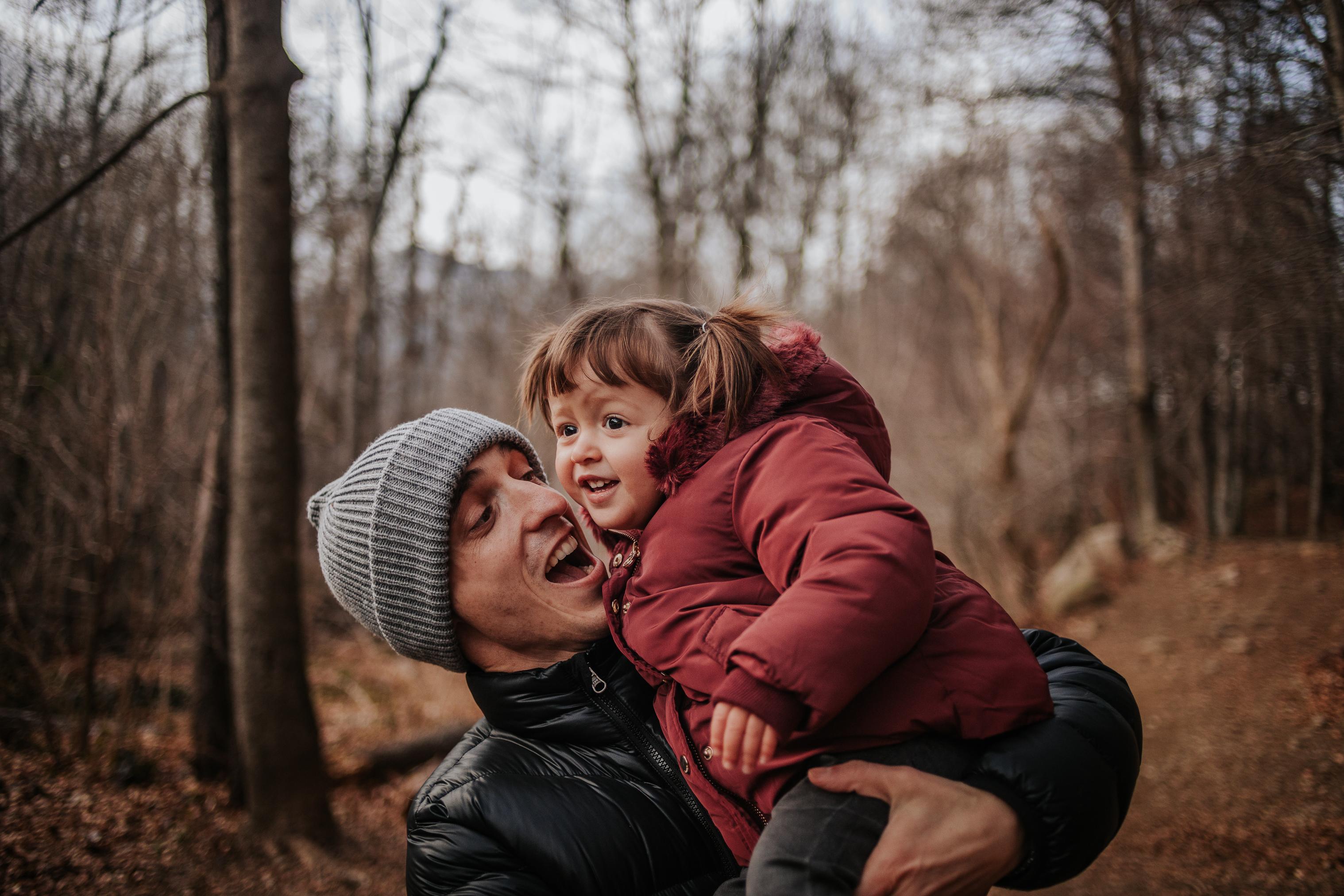 fotógrafo de embarazo Barcelona :: embarazada en la montaña :: embarazo en el bosque :: embarazada en Santa Fe del Montseny :: fotógrafo de familia :: fotógrafo sant cugat:: fotógrafo barcelona
