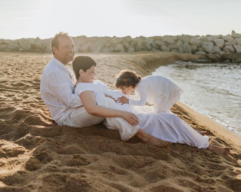 Fotógrafo de embarazo Barcelona :: Fotógrafo embarazada playa :: fotógrafía de embarazo :: Fotógrafo barcelona